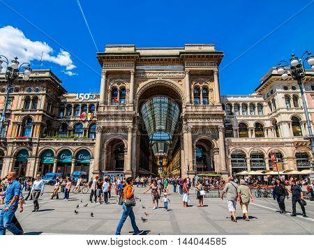Piazza Duomo Milan (hdr)