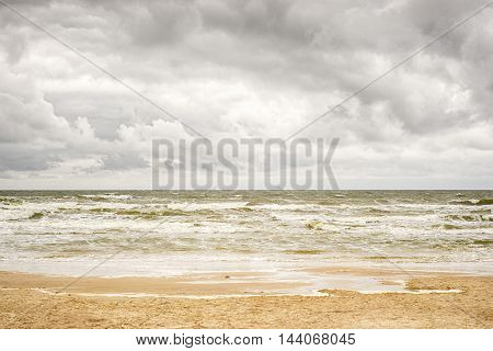 stormy sea and cloudy sky, hdr image