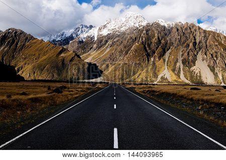 Tasman Valley Road at Aoraki Mt Cook, New Zealand.