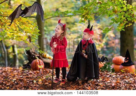 Kids On Halloween Trick Or Treat