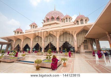 PUTRAJAYA, MALAYSIA, AUGUST 20, 2016 : Putra Mosque (Masjid Putra) is the principal mosque of Putrajaya, Malaysia. Construction began in 1997 and was completed two years later.