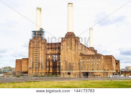 London Battersea Powerstation Hdr