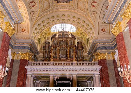 BUDAPEST, HUNGARY - AUG 18 2014: Organ in the  St. Stephen's Basilica, a Roman Catholic basilica in Budapest, Hungary. It is named in honour of Stephen, the first King of Hungary, built in 1905