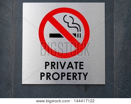 No smoking sign & symbol on the wall