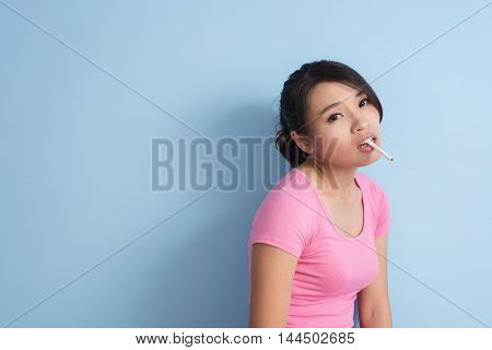 glamour smoking asian woman with copyspace