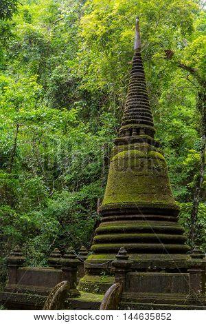 Pagoda Alongkorn Chedi in Chanthaburi, Thailand