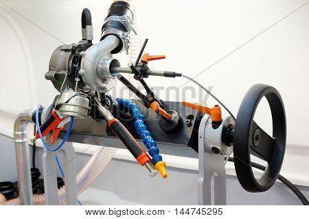 The image of a diesel turbin diagnostic and repair machine