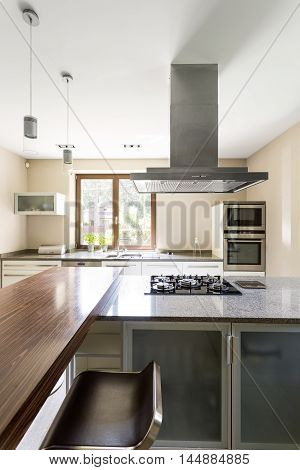 Clear Kitchen Space For Modern Perfectionists