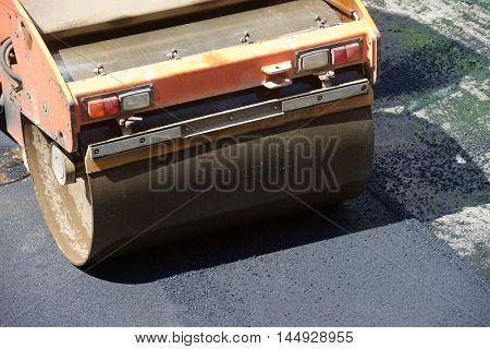 Heavy Vibration roller in asphalt pavement work.
