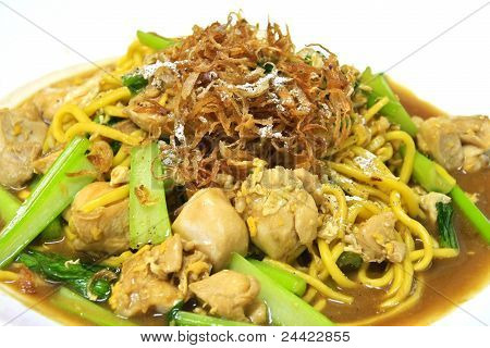Egg Noodle Stir Fried With Chicken