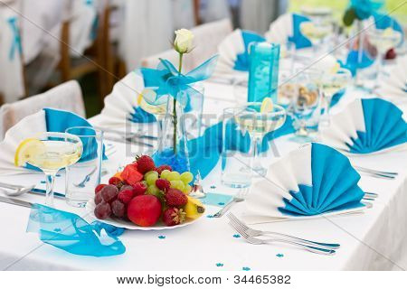 Blue-white Wedding Table Setting