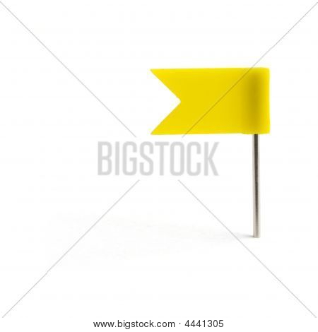 Um pino amarelo da bandeira