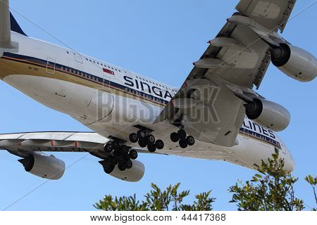Singapore Airlines Airbus A-380
