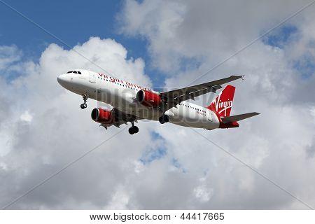Virgin America Airbus A320-214
