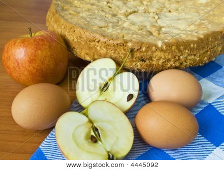 Apple Pie And Raw Apples