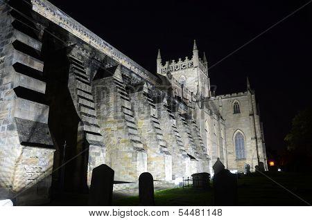 Exterior of Dunfermline Church