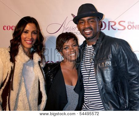 LOS ANGELES - NOV 21:  Kristen Bellamy, Vanesaa Bell Calloway, Bill Bellamy at the