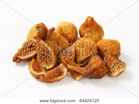portion of naturally dried figs with halved pieces