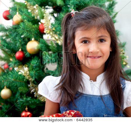 Chica en Navidad