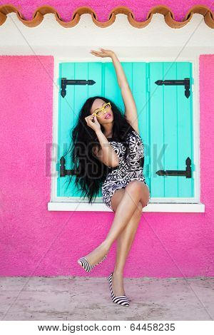 Tropical summer holiday fashion beauty concept, attractive woman with artistic make up