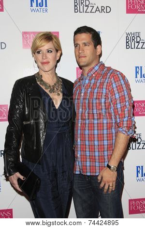 LOS ANGELES - OCT 21:  Molly Ringwald, Panio Gianopoulos at the