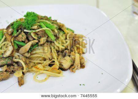 Sumptuous Looking Aglio Olio Spaghetti