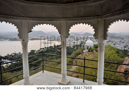 Pavillon with Udaipur city palace at Pichola lake, Udaipur, Rajasthan, India