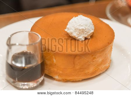 Sponge Butter Cake With Honey Syrup