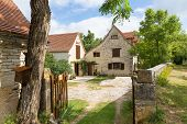 foto of driveway  - Typical French country house with driveway in Calvignac - JPG