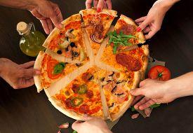 image of crust  - Pizza - JPG