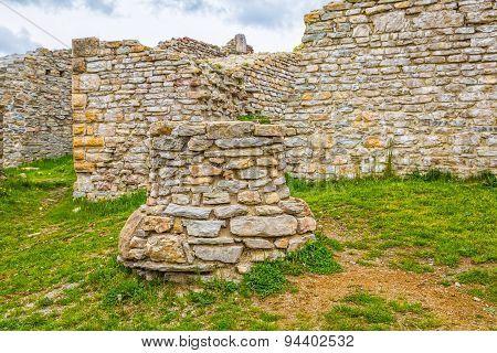 Chapel well in Medvedgrad castle