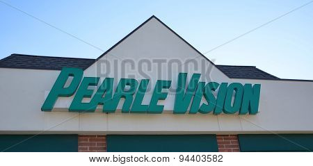Pearle Vision Store Logo
