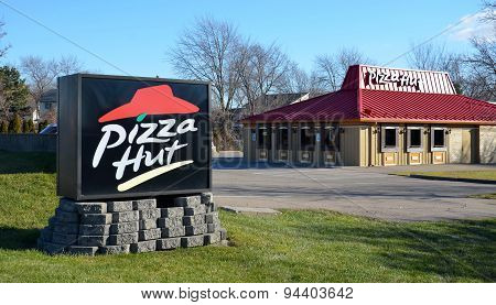 Pizza Hut Logo With Store