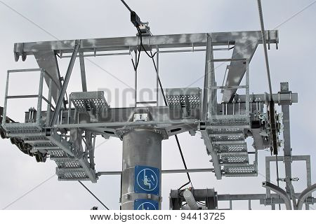 Metal Construction Leading The Drive Wheel Lift