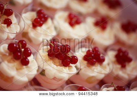 Pudding With Berries