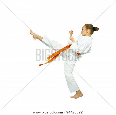 The blow mae-geri in perfoming athlete in karategi
