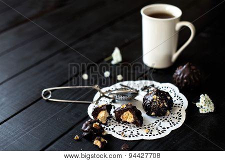Chocolate truffle cake with vanilla cream
