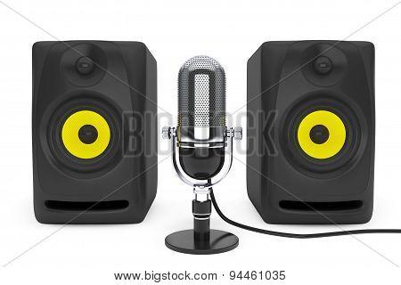 Vintage Silver Microphone And Audio Speakers. 3D Rendering