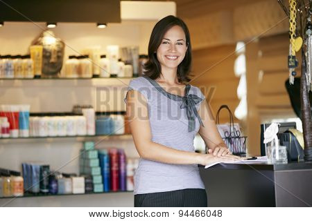 Portrait Beauty Product Shop Manager