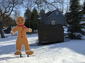 picture of gingerbread man  - Gingerbread man cutout in Cutchogue - JPG