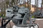 picture of battle  - Old battle cannon at the Shlisselburg city - JPG