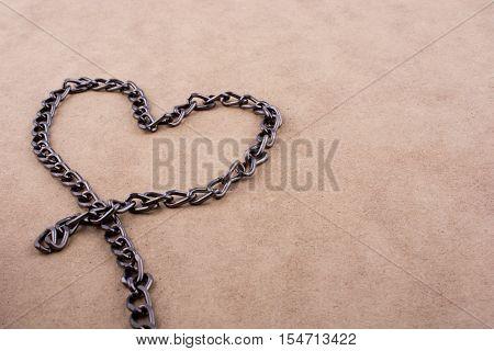 Chain Form A Heart Shape
