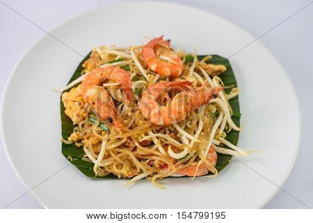 fried noodle with seafood or Padthai the famous Thai food