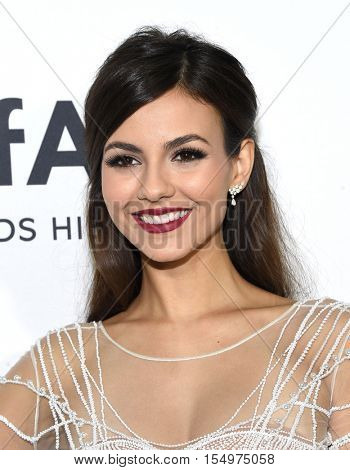 LOS ANGELES - OCT 27:  Victoria Justice arrives to the amFAR's Inspiration Gala on October 27, 2016 in Hollywood, CA