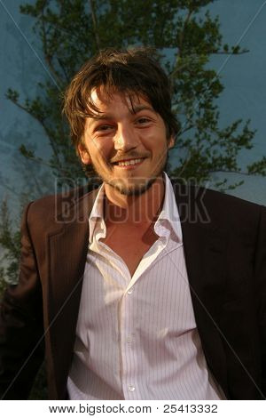 LOS ANGELES - AUG 11: Diego Luna at the 'Open Range' premiere on August 11, 2003 in Los Angeles, California