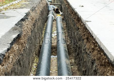 Installing Pipes For Hot Water And Steam Heating