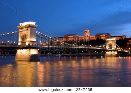 Night Light In Budapest. 4.