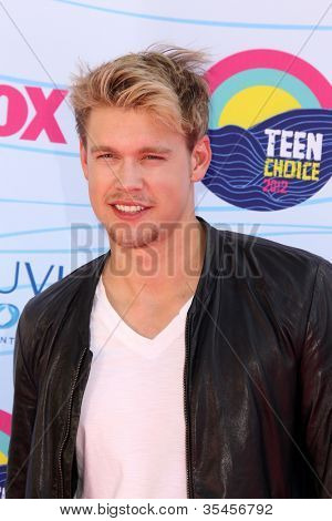 LOS ANGELES - JUL 22:  Chord Overstreet arriving at the 2012 Teen Choice Awards at Gibson Ampitheatre on July 22, 2012 in Los Angeles, CA
