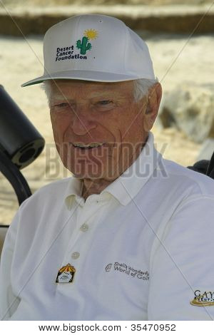 PALM SPRINGS - FEB 7: Jack Whitaker at the 15th Frank Sinatra Celebrity Invitational Golf Tournament at Desert Willow Golf Course on February 7, 2003 in Palm Springs, California