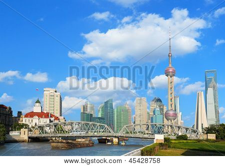 Shanghai Bund Garden Bridge Skyline